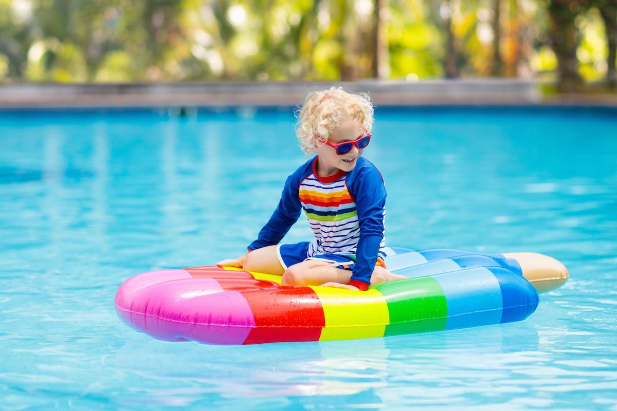 Napuhanac sladoled, plaža, more, bazen, ljetni madrac